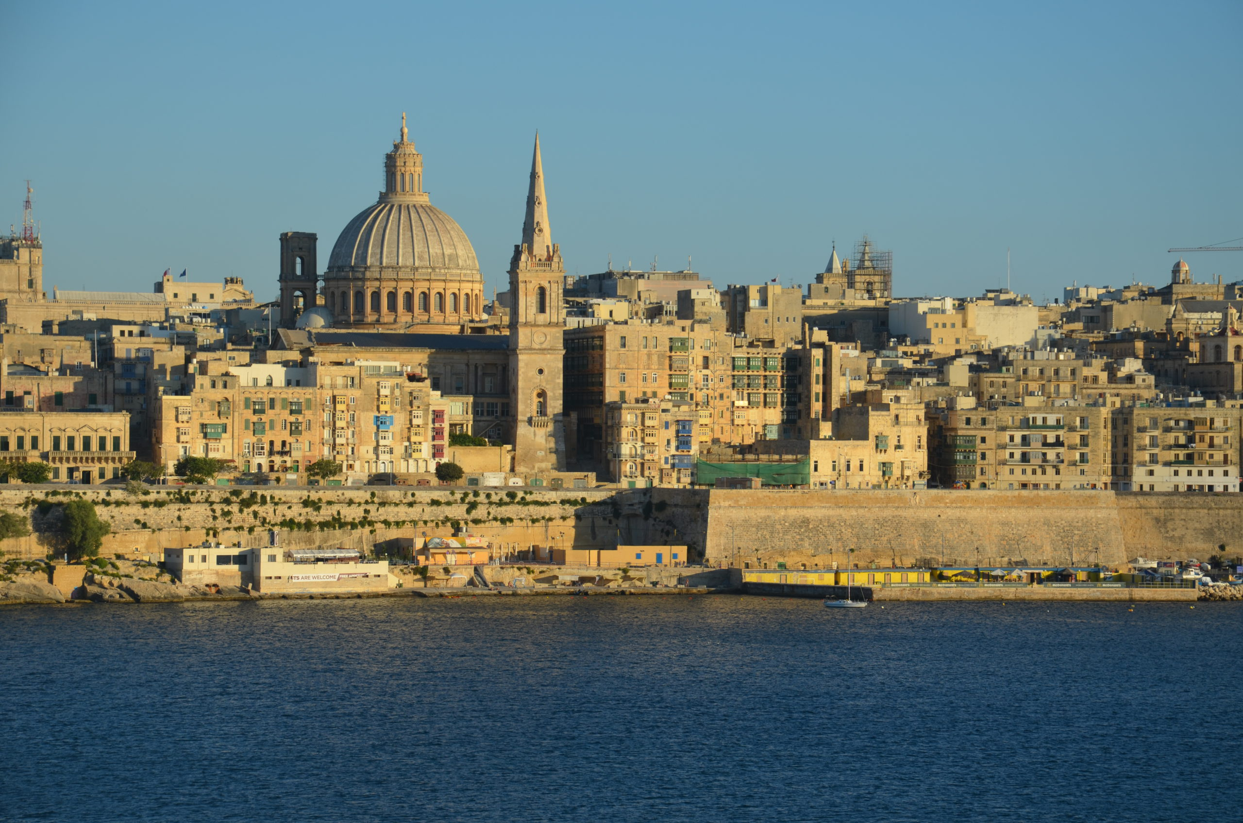 Valletta gezien vanuit Sliema.